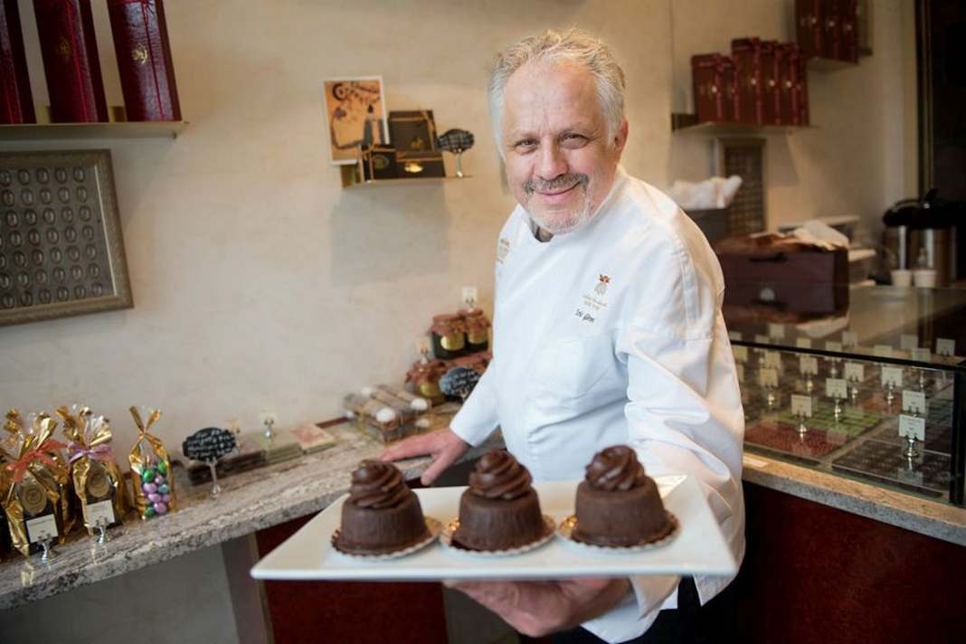 Well-known Chocolatier opens L�atelier chocolate shop in downtown Jersey City.