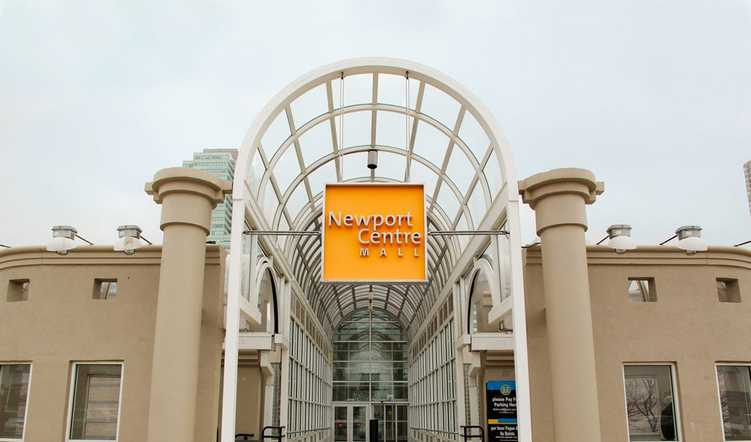 Best NJ shopping malls for holiday shopping