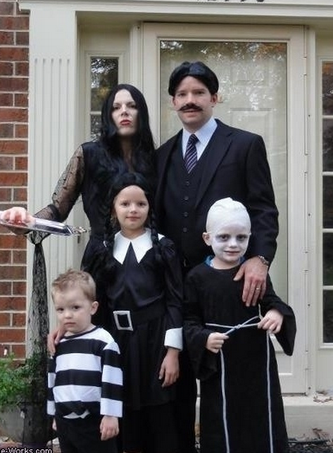 Adams Family Themed Family Halloween Costumes in NJ